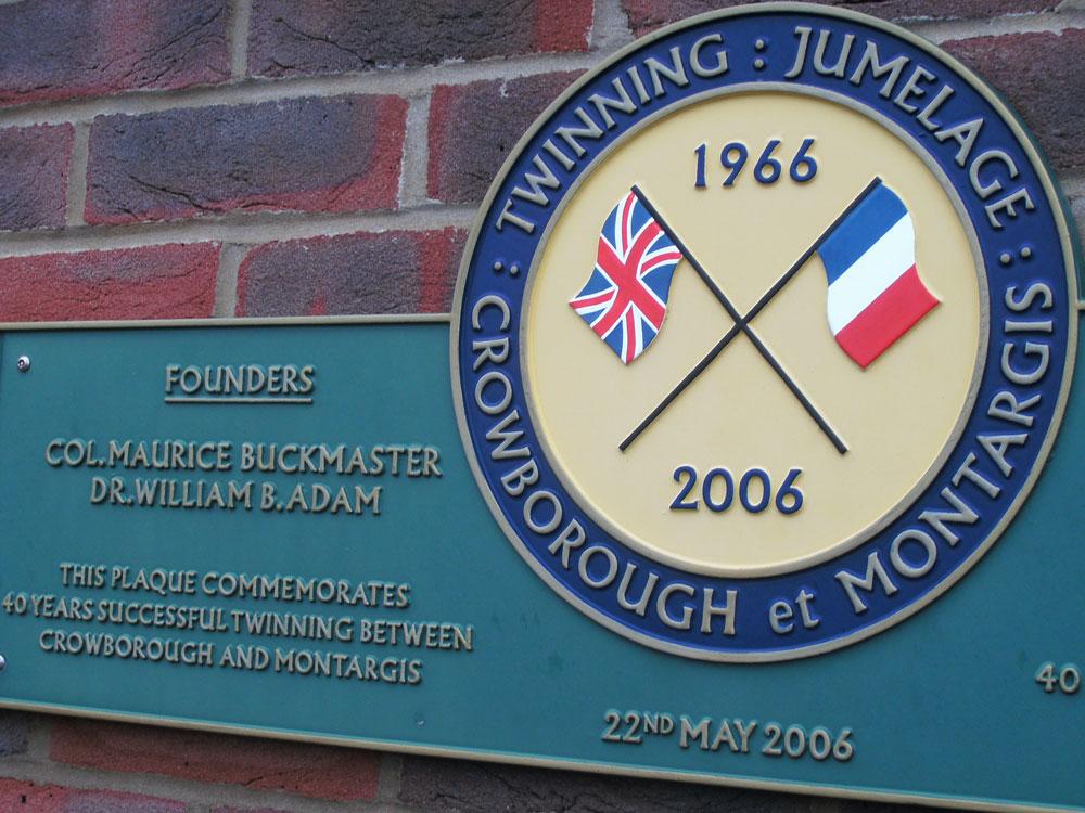 Crowborough Montargis Twinning Jumelage 1966-2006
