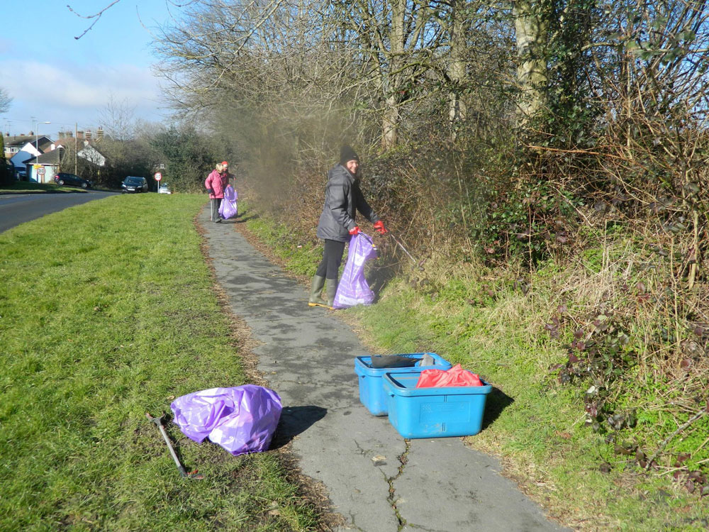 Brighter Crowborough litter pickers