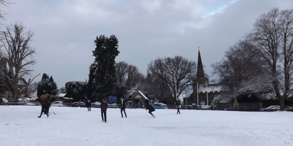 Snow student snowballing Chapel Green in Crowborough 13th January 2017